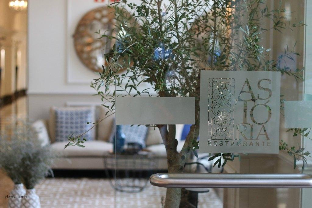 astoria lounge