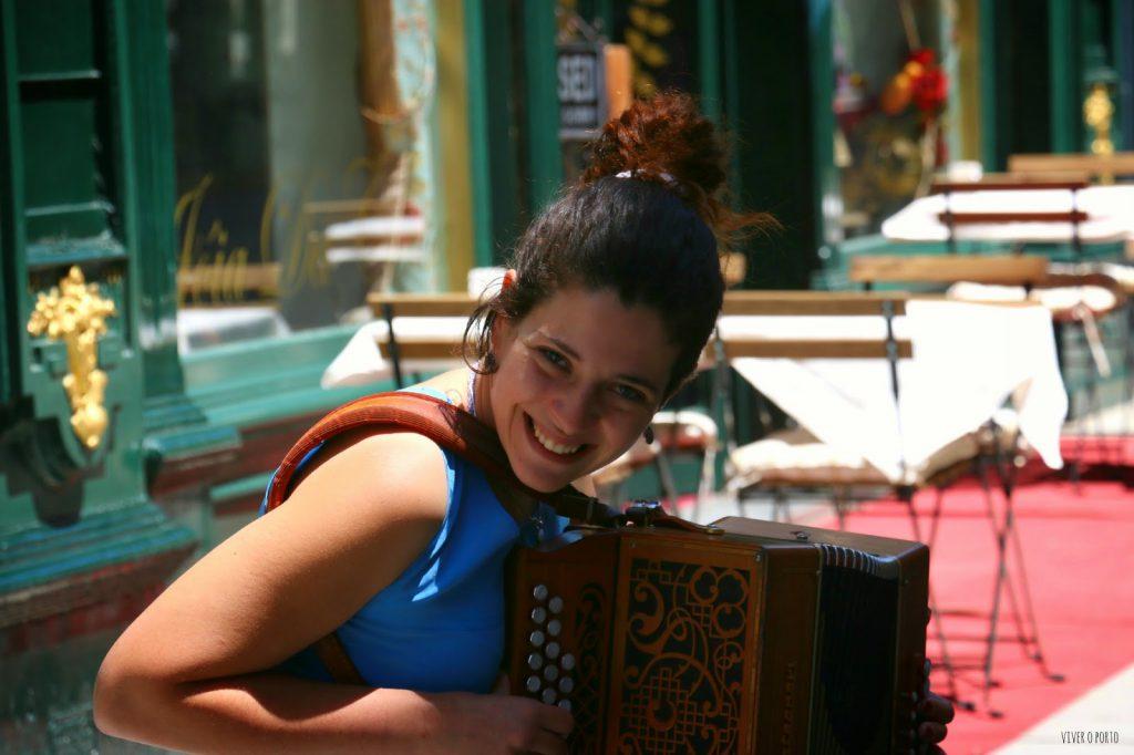 music on the street - catarina pereira